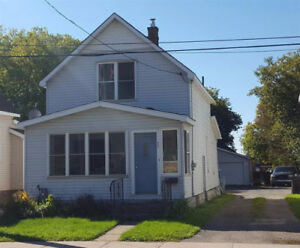 GREAT RENTAL INCOME! ADORABLE 2 BED 1.5 BATH HOME