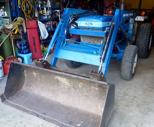 Ford Diesel 4x4 Loader Tractor