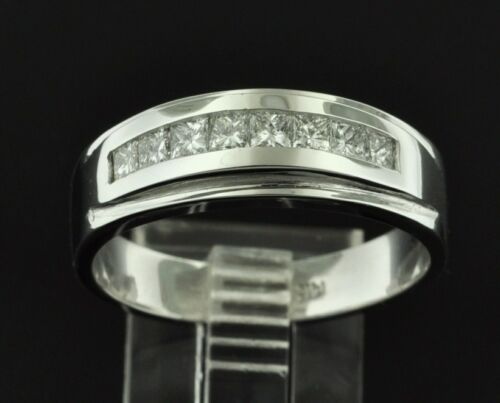 0.63 Ct 14k Solid White Gold Men
