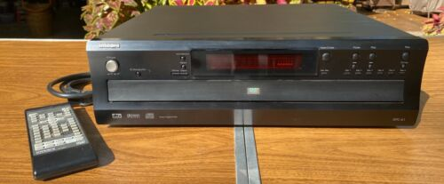 INTEGRA DPC-6.1  6 DISC DVD/ CD PLAYER with remote and power cord