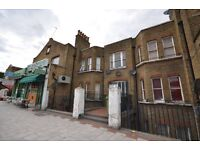 Large 2/3 double bed/separate kitchen/ Living room, 11 minutes walk to Woolwich Dockyard
