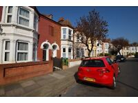 Large modern 3 bedroom house, close to Plumstead Common- AVAILABLE