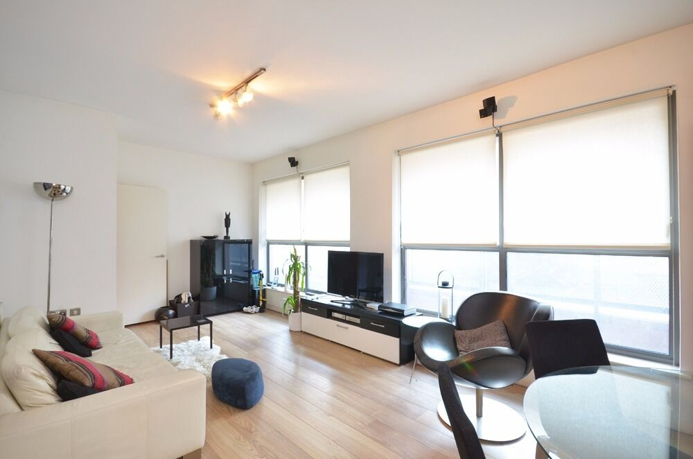 STUNNING 2 DOUBLE BEDROOM SPLIT LEVEL APARTMENT IDEALLY PLACED FOR CAMDEN, ANGEL & KINGS CROSS