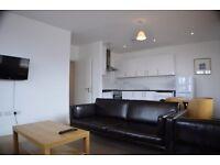 3 bedroom flat in High Street London NW10