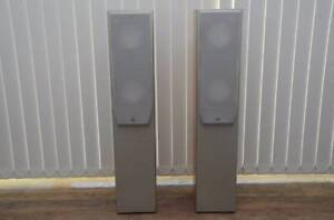 Elac FS 108.2 floorstanding speakers in VGC. Eatons Hill Pine Rivers Area Preview