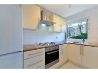 Refurbished 2 double bedroom flat to rent available immediately -Close to West Hempstead
