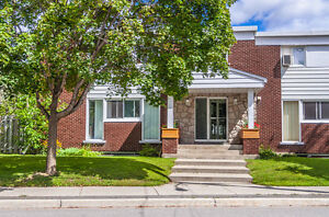 ON THE BANKS OF RIDEAU RIVER- 3BR TOWN HOUSE -CALL TO VIEW TODAY