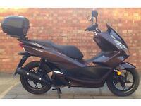 Honda pcx 125 (66 REG), Pristine condition, Only 1300 miles!