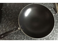 TEFAL JUMBO 36CM ALUMINIUM WOK WITH HANDLE