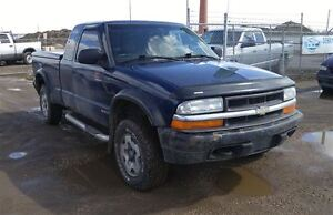 2002 Chevrolet S10 4x4 Amazing Value!!