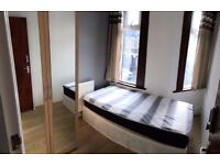 BEST PRICE! LEYTON: LIGHT SINGLE ROOM AT ADELAIDE RD