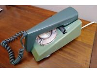 VINTAGE 1972 ORIGINAL GPO 7/722 ROTARY TRIMPHONE TWO TONE GREEN WITH BT PHONE PLUG