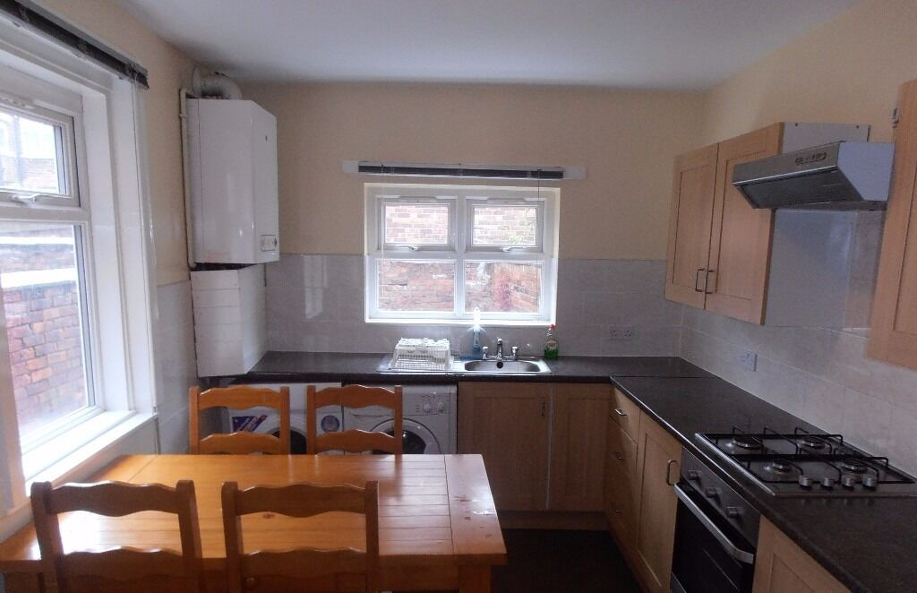1st July 17 - 4 Bed House Rippingham Rd Withington 3 x £303.33 + 1 x £216.66pcm FREE INTERNET!