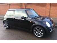 MINI COOPER WITH EVERY POSSIBLE EXTRA (NEARLY) SPECAIL COOPER ALLOY WHEELS SERVICE HISTORY MINI