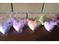 4 bath bombs, different scents, love heart shapes