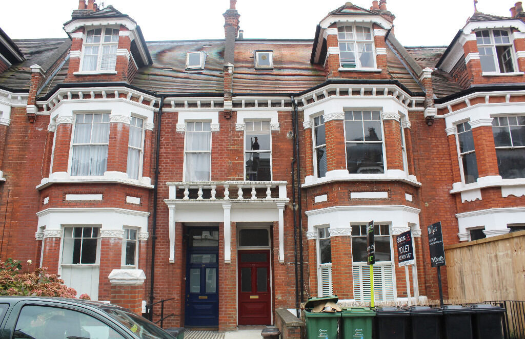 PRIVATE LET HUGE ONE BEDROOM + FLAT + great study in West Hampstead Reduced From £460 to-