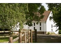 Holiday cottage with beams and vaulted ceilings sleeps 6 + cot. Spacious ground floor, 3 bed 2 bath