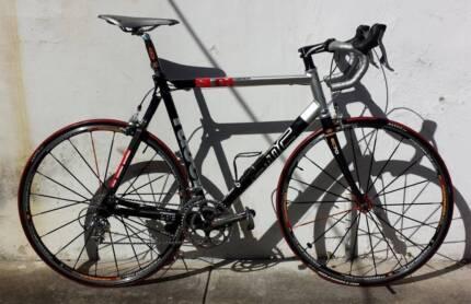 BMC SL01 Road Racer! L. Ultegra 10s! Mavic Ksyrium ES! Dulwich Hill Marrickville Area Preview