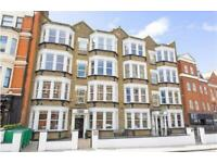 Studio flat in Inglewood Mansions, West End Lane, West Hampstead, NW6