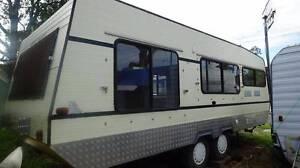 26ft caravan 1982 Kotara Newcastle Area Preview