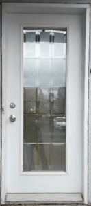 Porte d'entrée  en acier (blanche) avec cadrage - 225$