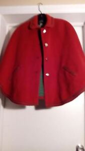 VINTAGE WOOL 1960s RED CAPE