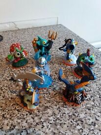 Skylander Giants figures and portal