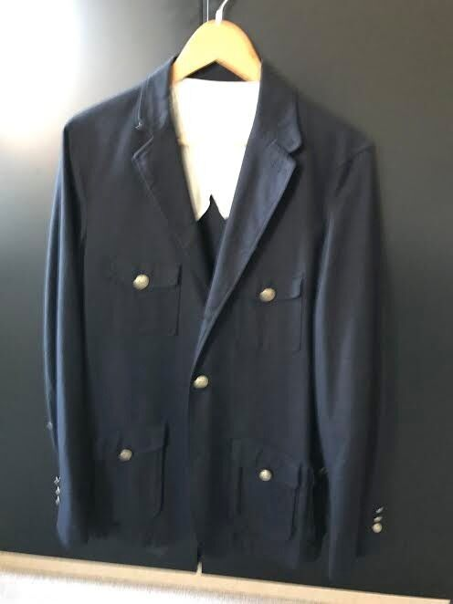 Blazer/coat man with bottoms an pocketsin Cambridge, CambridgeshireGumtree - for sale Men´s Coat from Zara size 50 (L) blue, almost new, very good conditions. used only a few times. with bottoms and pockets