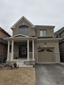 HOUSE FOR RENT IN BRADFORD, ON- 4 Bedroom, 2.5 Baths