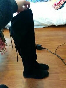 Real Suede Over-the-knee Black Boots - Excellent Condition Kitchener / Waterloo Kitchener Area image 2