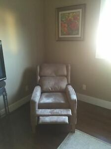 Recliner, excellent condition Windsor Region Ontario image 1