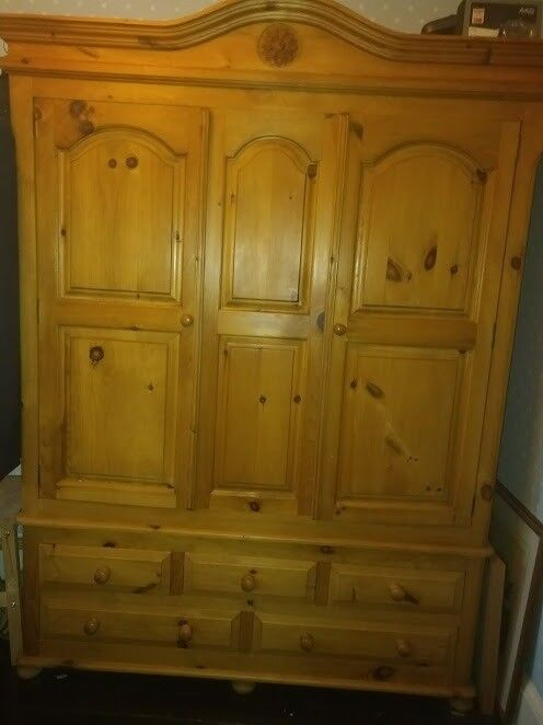 Wardrobe with 5 drawers