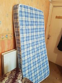 2 Mattresses in good condition