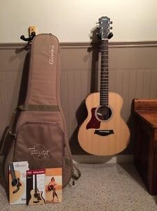 Perfect/Brand New condition left handed Taylor GS Mini