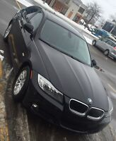 2009 BMW 3-Series 323i Sedan 402$ tax included - 15 months left