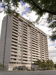 Large 18th floor 1 Bedroom Apartment Centretown/Golden Triangle