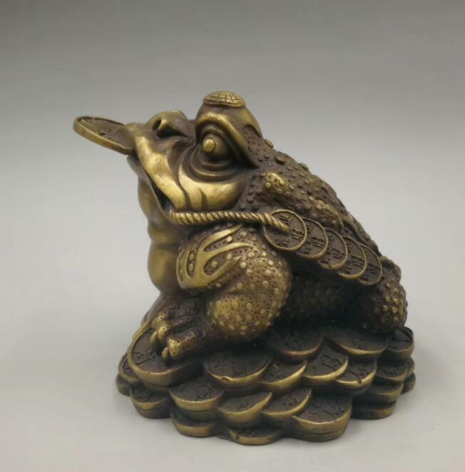 China/'s pure brass gold toad coin wealth statue