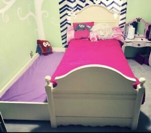 Gorgeous girls trundle bed