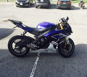 *Must See*  2013 Yamaha R6 with low KM