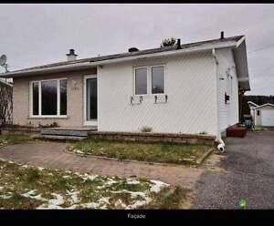 Maison â vendre Saguenay Saguenay-Lac-Saint-Jean image 1