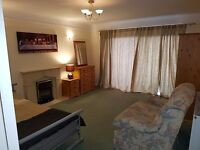 DOUBLE ROOM: SOUTHBOURNE :BELLE VUE RD:SEA VIEWS: ALL INCLUSIVE: AVAILABLE NOW
