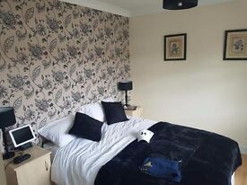 Two Double Rooms furnished in a Comfortable House Aigburth Liverpool,Bills included and Parking,