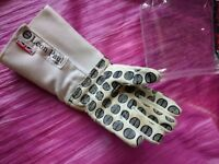 junior fencing glove size 6.5 LEFT hand