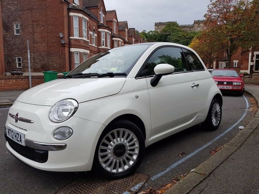 Fiat 500 0.9 TwinAir Lounge 3dr. Free tax, full service history, great first car!