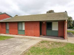 NEAT AND CLEAN 3 BEDROOM CORNER HOUSE Hackham West Morphett Vale Area Preview
