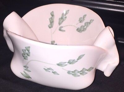 """HILBORN Pottery """"Pinch Pot"""" White With Green Design - Great Cond. - Free Ship"""