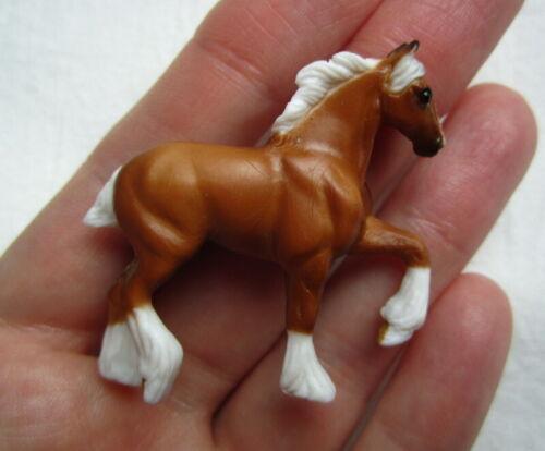 Breyer Mini Whinnies Horse Surprise Series 4. Venice. Palomino Draft New