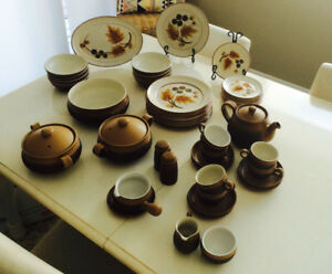 Denby England Cotswold dinnerware in excellent condition