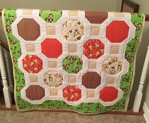 CRIB QUILT - MONKEYS