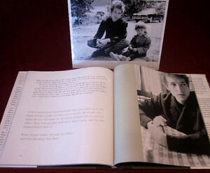 BOB DYLAN Hard Cover Book - Like New - comes with B&W Photos Kitchener / Waterloo Kitchener Area image 2